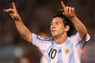 Lionel Messi, con el '10' de la albiceleste, celebra el gol que marc� contra Venezuela