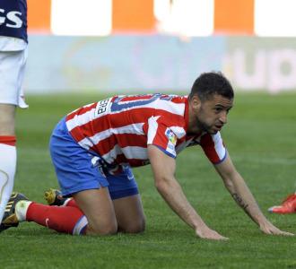Simao, durante el partido contra Osasuna.