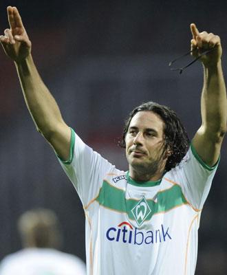 Pizarro sentenci� con tres goles al Hannover.