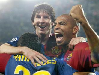 El Barcelona celebra uno de sus goles en una noche mágica para el barcelonismo