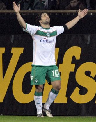 Diego celebra uno de los tantos logrados ante el Udinese.