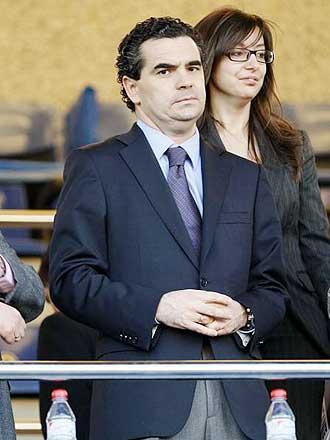 El presidente Juan Antonio Iniesta durante un partido del Alicante en el Rico P�rez