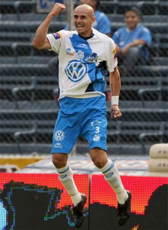 Acosta celebra el gol que le da la salvaci�n a su equipo