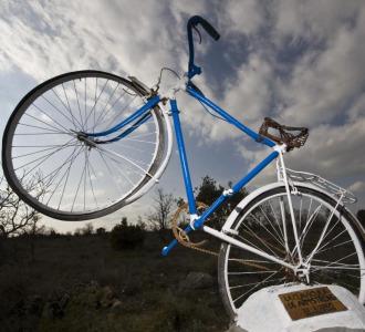 El monumento a Lance Armstrong en Antigüedad (Palencia).