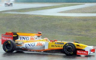 Fernando Alonso, con su R29 en Shanghai