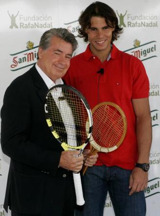 Manolo Santana y Rafa Nadal en Barcelona.