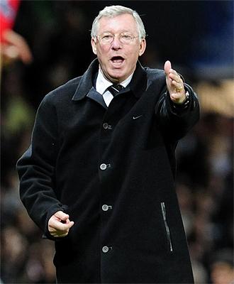Alex Ferguson se queja durante una acci�n del partido ante el Arsenal en Old Trafford