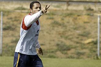 Adriano Correia hace un gesto durante un entrenamiento del Sevilla