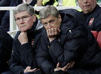 Wenger, desolado en el banquillo del Arsenal