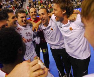 La plantilla del Ciudad Real celebra el t�tulo de la liga ASOBAL.