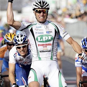 Petacchi celebra la victoria de la segunda etapa