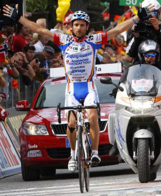 Scarponi celebra su triunfo en tierras austr�acas.
