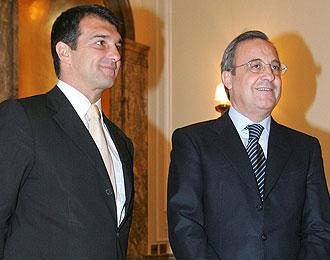 Joan Laporta y Florentino P�rez posan en un acto en 2005.