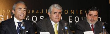 Mart�nez Blanco, Onieva y Carlos Gonz�lez