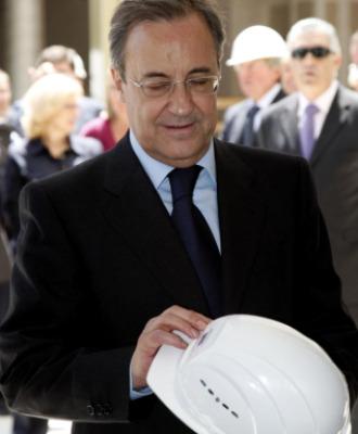Florentino Pérez, en su visita al nuevo hospital La Fe de Valencia.