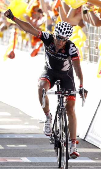Sastre canta victoria en el Monte Petrano.