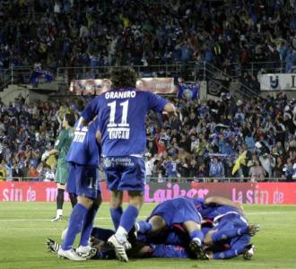 Los jugadores del Getafe celebran el tanto ante el Numancia.