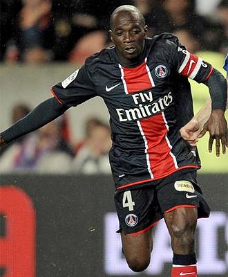 Claude Makelele, durante un partido con el PSG