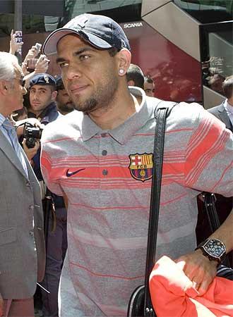 Dani Alves el pasado martes a su llegada a Roma, aunque no pudo disputar la final por estar sancionado.