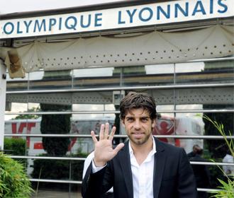Juninho Pernambucano se despide del Lyon.