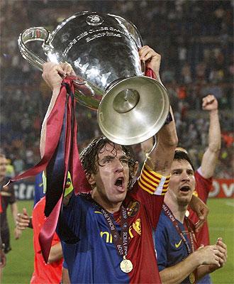 Puyol levanta la Liga de Campeones