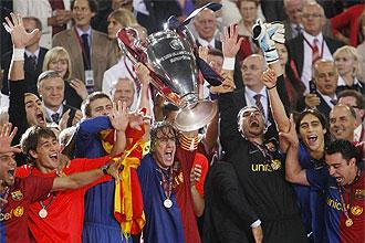 Puyol levanta la tercera Champions del Bar�a