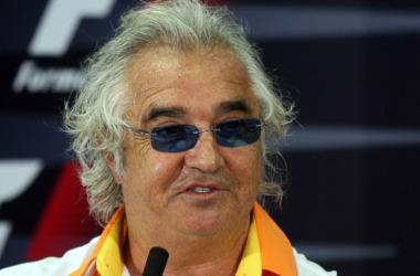 Si renault se retira de la F1 en 2010 a causa del conflico con la FIA, Briatore podr�a tomar su testigo y crear su propio equipo en la competici�n que quedar�a.