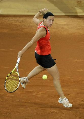 Lourdes Dom�nguez durante un partido en Par�s.