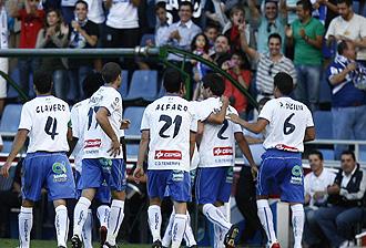 Los jugadores del Tenerife celebran un gol