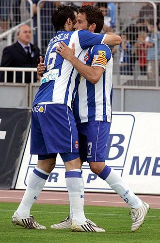Tamudo celebra uno de sus tres goles.