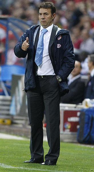 Abel Resino, contento durante el choque ante el Almería