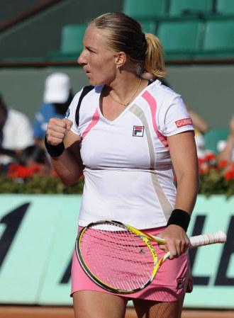 Svetlana Kuznetsova celebra un punto en semifinales.