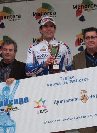 Steegmans en el podio de la Challenge a Mallorca, donde ganó la primera etapa