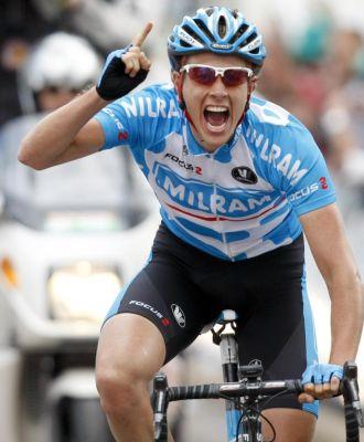 Terpstra celebra su victoria en la tercera etapa.