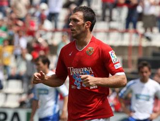 Víctor Casadesús celebra un gol.