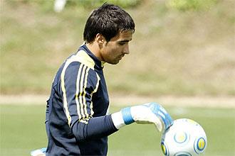 Sergio Asenjo, durante un entrenamiento de la selecci�n sub 21