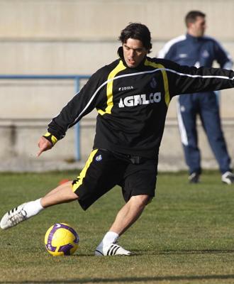 Cosmin Contra, durante un entrenamiento con el Getafe