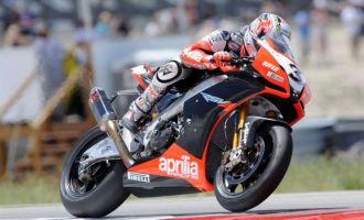 Max Biaggi, con su Aprilia de Superbikes