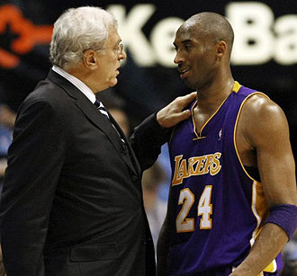 Phil Jackson y Kobe Bryant durante las pasadas finales de la NBA
