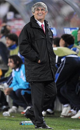 Milutinovic, durante el partido de Irak ante Nueva Zelanda