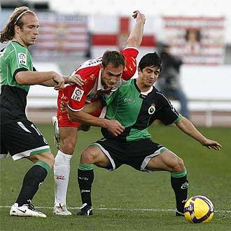 Carlos Garc�a durante un partido frente al Racing.
