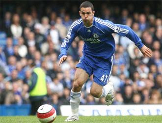 Ben Sahar durante un partido de la Premier entre el Chelsea y el Everton.