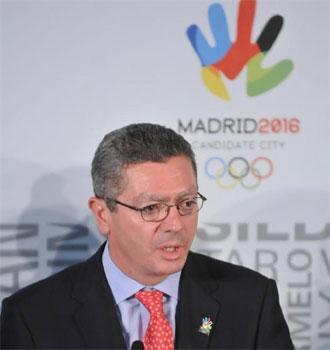 Alberto Ruiz Gallard�n durante la presentaci�n de la candidatura madrile�a a los Juegos de 2016 en Lausana.