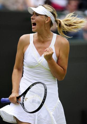 Mar�a Sharapova durante su partido ante Victoriya Kutuzova en Wimbledon.