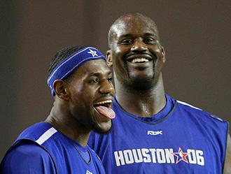 LeBron James y Shaquille O'Neal en el All Star de 2006