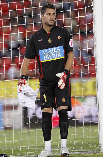 Miguel Ángel Moyá, durante un partido con el Mallorca