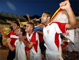 Los jugadores sevillistas lo celebraron por todo lo alto.