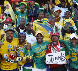 La afici�n de Sud�frica, disfrutando.