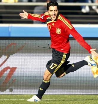 Güiza celebra un gol con la Selección.
