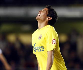 Mat�as Fern�ndez, en un partido con el Villarreal